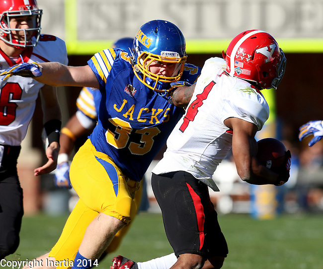 BROOKINGS, SD - OCTOBER 25:  TJ Lalley #33 from South Dakota State University prepares to bring down Andre Stubbs #4 from Youngstown State in the second quarter of their game Saturday afternoon at Coughlin Alumni Stadium in Brookings. (Photo by Dave Eggen/Inertia)