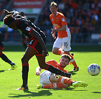 Blackpool's Oliver Turton wins the ball<br /> <br /> Photographer Richard Martin-Roberts/CameraSport<br /> <br /> The EFL Sky Bet League One - Blackpool v Milton Keynes Dons - Saturday August 12th 2017 - Bloomfield Road - Blackpool<br /> <br /> World Copyright &copy; 2017 CameraSport. All rights reserved. 43 Linden Ave. Countesthorpe. Leicester. England. LE8 5PG - Tel: +44 (0) 116 277 4147 - admin@camerasport.com - www.camerasport.com