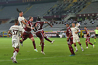 Chris Smalling of AS Roma scores the goal of 1-2 during the Serie A football match between Torino FC and AS Roma  at Olimpico stadium in Roma (Italy), July 29th, 2020. Play resumes behind closed doors following the outbreak of the coronavirus disease. Photo Gino Mancini / Insidefoto