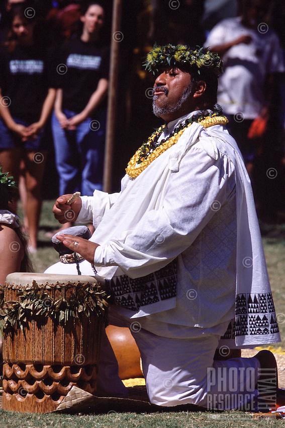 Kumu playing Pahu at the Hokulea Arrival Ceremony in Kailua