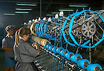 Fabrica de linhas Círculo em Gaspar, Santa Catarina. 1998. Foto de Juca Martins.