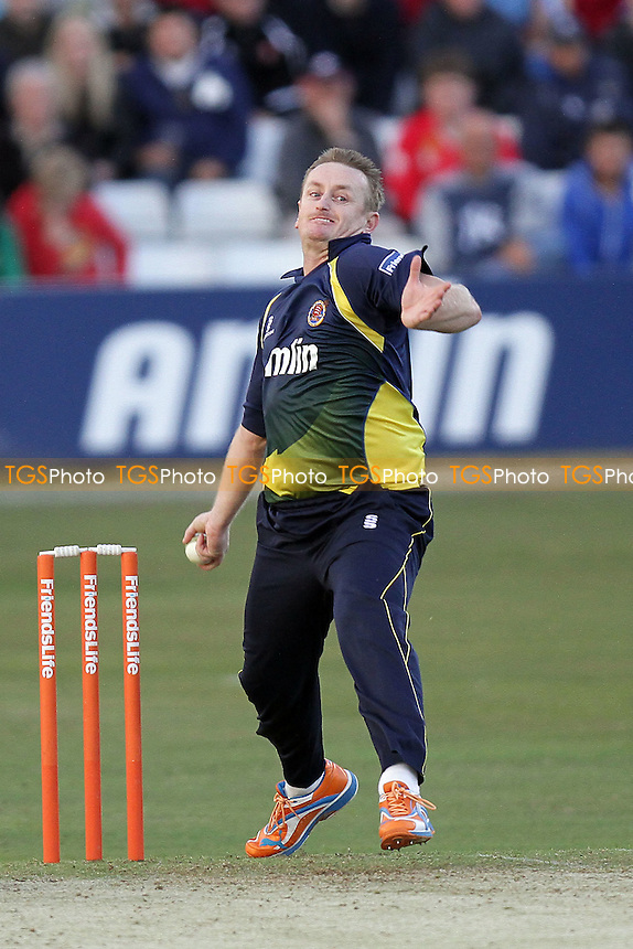 Scott Styris in bowling action for Essex - Essex Eagles vs Sussex Sharks - Friends Life T20 Cricket at the Ford County Ground, Chelmsford - 08/06/11 - MANDATORY CREDIT: Gavin Ellis/TGSPHOTO - Self billing applies where appropriate - Tel: 0845 094 6026