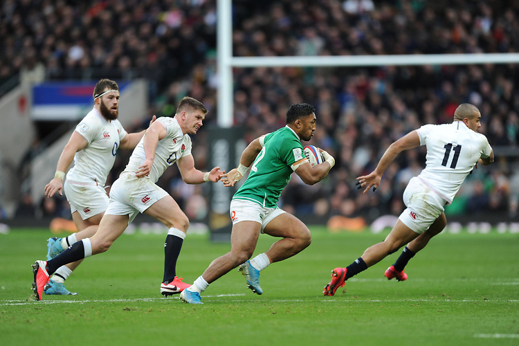 Bundee Aki of Ireland looks for space between Owen Farrell and Jonathan Joseph of England  as Luke Cowan-Dickie supports during the Guinness Six Nations match between England and Ireland at Twickenham Stadium on Sunday 23rd February 2020 (Photo by Rob Munro/Stewart Communications)