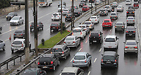 SAO PAULO, SP, 23.07.2013 - TRANSITO - SAO PAULO - Manha de transito intenso na Avenida Alcantara Machado (Radial Leste) no bairro da Mooca na regiao leste da cidade de Sao Paulo. Foto: Vanessa Carvalho - Brazil Photo Press.