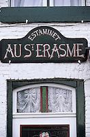 """Europe/France/Nord-Pas-de-Calais/59/Nord/Flandre/Sercus: Estaminet """"Le Saint Erasme"""" - Détail de la porte et enseigne"""