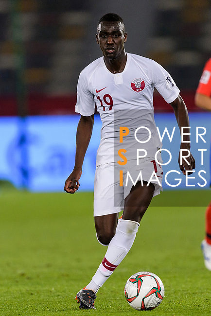 Almoez Ali of Qatar in action during the AFC Asian Cup UAE 2019 Quarter Finals match between Qatar (QAT) and South Korea (KOR) at Zayed Sports City Stadium  on 25 January 2019 in Abu Dhabi, United Arab Emirates. Photo by Marcio Rodrigo Machado / Power Sport Images