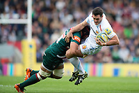 Dave Dennis of Exeter Chiefs is tackled by Sione Kalamafoni of Leicester Tigers. Aviva Premiership match, between Leicester Tigers and Exeter Chiefs on September 30, 2017 at Welford Road in Leicester, England. Photo by: Patrick Khachfe / JMP