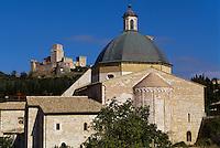 Italien, Umbrien, Burg Rocca Maggiore und Dom San Rufino in Assisi