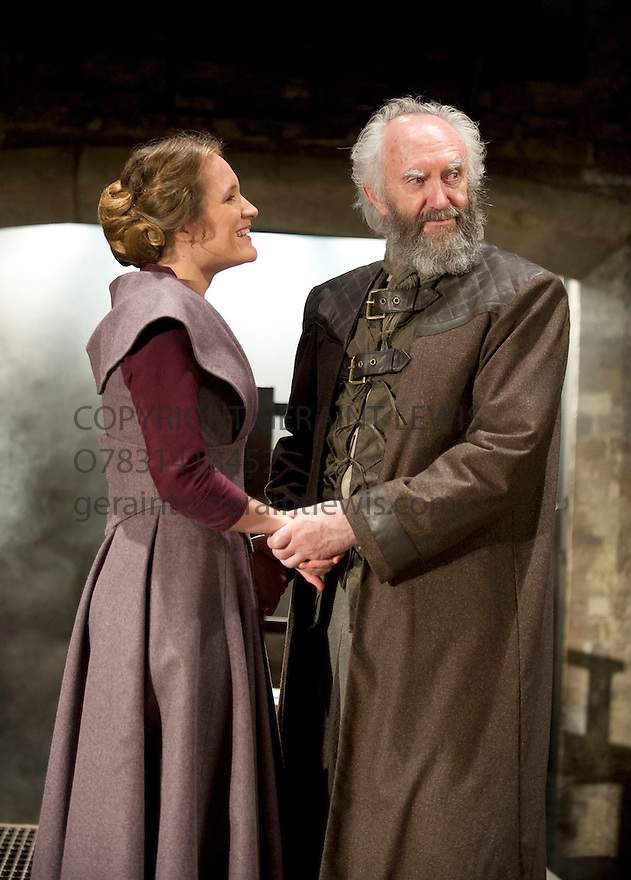 King Lear by William Shakespeare directed by Michael Attenborough. With Jonathan Pyce as King Lear, Zoe Waites as Goneril.  .  Opens at The Almeida Theatre  on 11/9/12.CREDIT Geraint Lewis