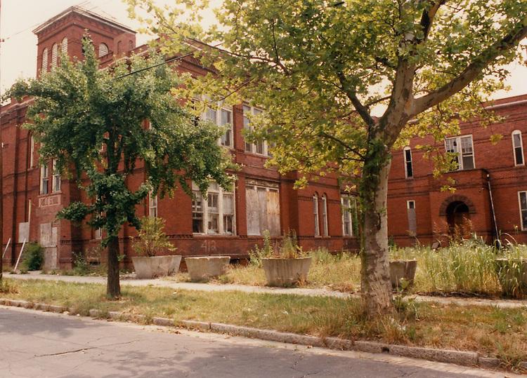 1991 June ..Conservation.Central Brambleton..J. B. Goode School building...NEG#.NRHA#.06/91  CONSERV  :Brambl  2:2  :11 :.
