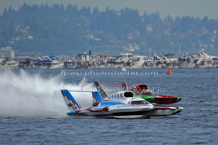 "David Villwock, U-96 ""Spirit of Qatar"" races Steve David, U-1 ""Oh Boy! Oberto"""