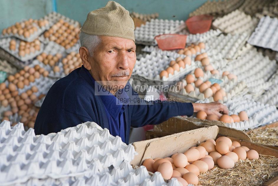 Afrique/Afrique du Nord/Maroc/Rabat: le marché central marchand d'oeufs