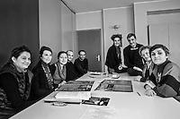 il reparto Etnopsichiatria Ospedale Niguarda, Milano, dove operano psichiatri, psicologi educatori e assistenti sociali,  cura i traumi che i migranti e profughi subiscono prima e durante il viaggio per fuggire da guerre e  miseria.