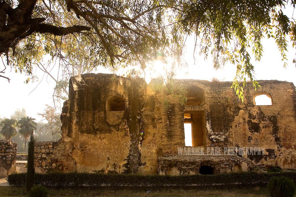 PAK: Mughal Ruins of Pakistan - The Wah Gardens   Warrick Page