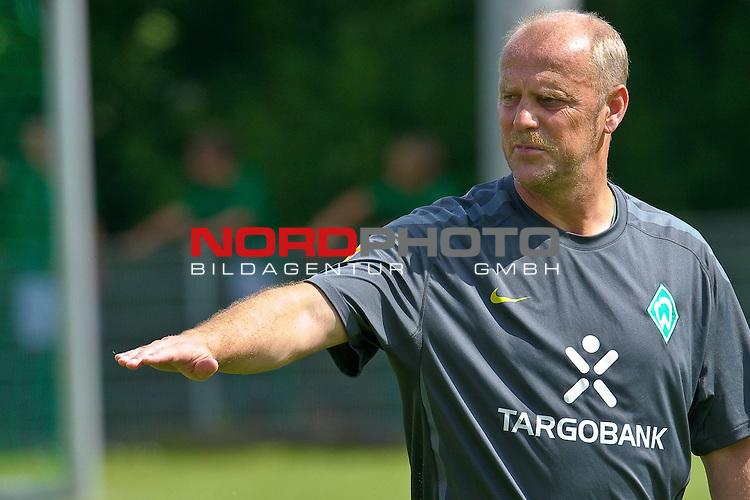 11.07.2010, An der Muehle, Norderney, GER, Trainingslager Werder Bremen 1. FBL 2010 - Day04 im Bild Thomas Schaaf ( Werder  - Trainer  COACH)     Foto © nph / Kokenge