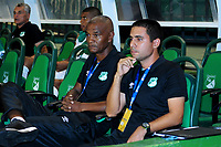 PALMASECA-COLOMBIA, 5 - 11- 2017. Sergio Angulo director técnico del Deportivo Cali y César Hernández , asistentente técnico del Deportivo Cali  durante partido contra el Atlético Nacional  por la fecha 19 de la Liga Aguila II 2017 jugado en el estadio Deportivo Cali  en  Palmaseca . / Sergio Angulo coach of Deportivo Cali and Cesar Hernandez  during match agaisnt Atletico Nacional  for the date 19 of the Liga Aguila II 2017 played at the Deportivo Cali  Stadium in Palmaseca  . Photo:VizzorImage / Nelson Rios  / Contribuidor