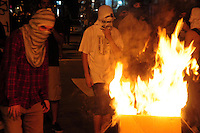 RIO DE JANEIRO,RJ,17.07.2013- MANIFESTANTES ENTRARAM EM CONFRONTO COM POLICIAIS NA ZONA SUL DO RIO. As ruas da Zona Sul do Rio tiveram cenas de guerra nesta noite no bairro do Leblon e Ipanema.