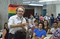 SAO PAULO, 13 DE MARCO DE 2013 - DIALOGO LGBT SP - O secretário de Direitos Humanos e Cidadania, Rogério, Sottili em roda de dialogo social, a fim de efetivar monitoramento das políticas de promoção dos direitos humanos e da cidadania LGBT em São Paulo, na noite desta quarta feira, 13, na Galeria Prestes Maia, regiao central. (FOTO: ALEXANDRE MOREIRA / BRAZIL PHOTO PRESS)
