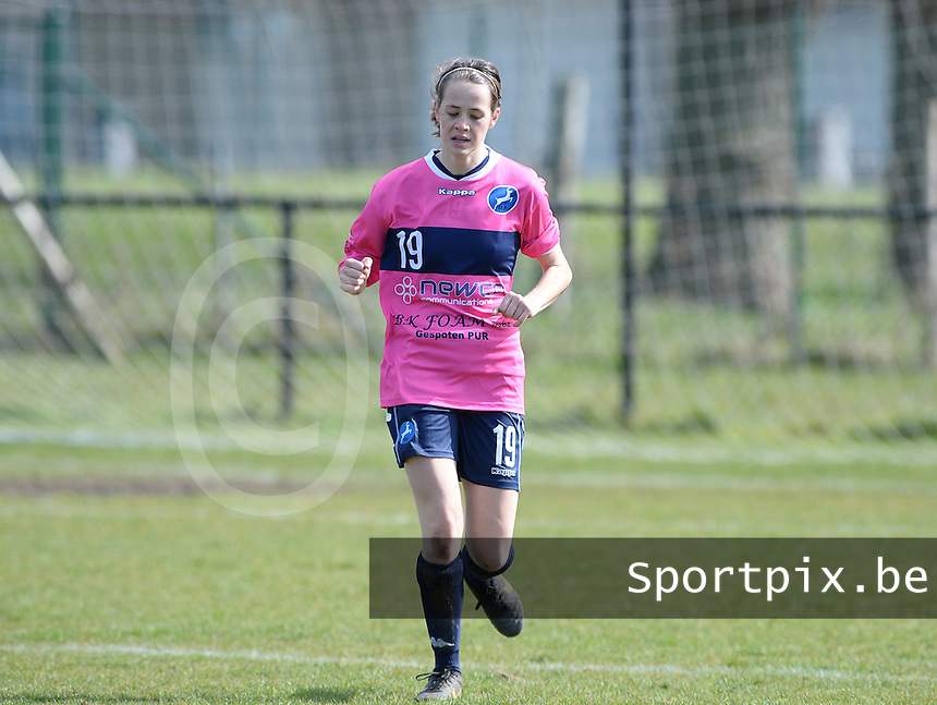 20160328 - Zwevezele , BELGIUM : turnhout's Inya Matthe pictured during the soccer match between the women teams of Voorwaarts Zwevezele and FC Turnhout  , on the 20th matchday of the Belgian Third division for Women on Saturday 28 th March 2016 in Zwevezele .  PHOTO SPORTPIX.BE DAVID CATRY