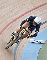 CALI – COLOMBIA – 01-03-2014: Laurie Berthon de Francia durante la prueba de Vuelta Lanzada del Omnium Damas en el Velodromo Alcides Nieto Patiño, sede del Campeonato Mundial UCI de Ciclismo Pista 2014. / Laurie Berthon of France during the test of the Women´s Omnium Flying Lap at the Alcides Nieto Patiño Velodrome, home of the 2014 UCI Track Cycling World Championships. Photos: VizzorImage / Luis Ramirez / Staff.