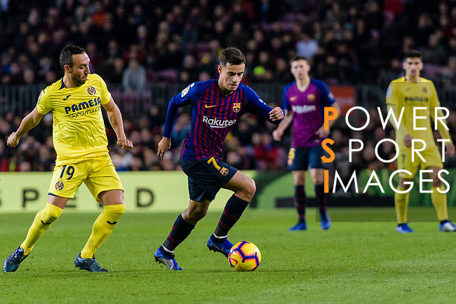 Philippe Coutinho of FC Barcelona (R) in action against Santi Cazorla of Villarreal (L) during the La Liga 2018-19 match between FC Barcelona and Villarreal at Camp Nou on 02 December 2018 in Barcelona, Spain. Photo by Vicens Gimenez / Power Sport Images