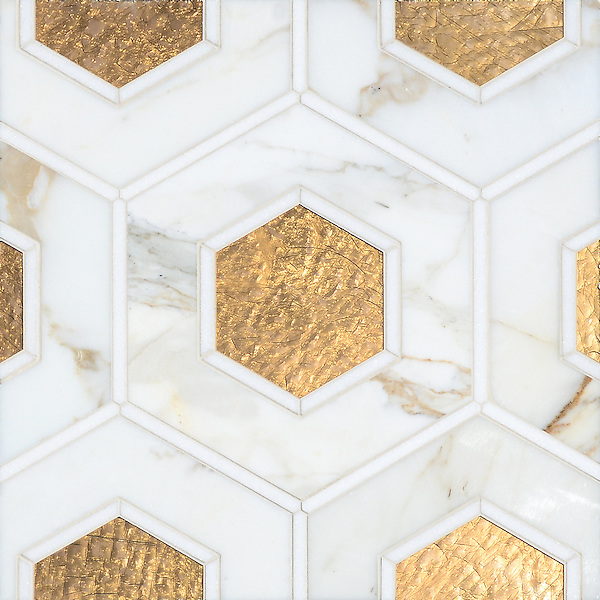 Ruche, a waterjet mosaic shown in polished Calacatta and Thassos and honed 24K Gold Glass, is part of the Aurora™ Collection by Sara Baldwin for New Ravenna.