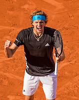 Paris, France, 3 june, 2019, Tennis, French Open, Alexander Zverev (GER) celebrates his victry over Italian Fabio Fognini<br /> Photo: Henk Koster/tennisimages.com