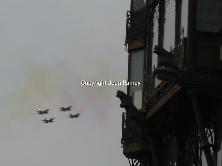 Fighter jets buzz the crowds on Belgium's National Day