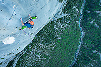 Uisdean Hawthorn on the final pitch of 'Salta Minchia! Ce Una Stella Che Cade' 6c, Verdon Gorge, France