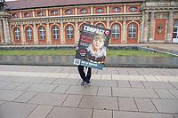 """AfD-Kundgebung in Potsdam.<br /> Ca. 70 AfD-Anhaenger kamen am Samstag den 9. September 2017 zu einer Wahlveranstaltung der rechtsnationalistischen """"Alternative fuer Deutschland"""", AfD. Unter den Teilnehmern waren u.a. Neonazis die """"Patrioten Cottbus"""" oder die sog. """"Schwarze Sonne"""", ein Zeichen der SS auf ihren Jacken trugen. Offiziell hatte die AfD die Kundgebung als Gruendung einer rechten Gewerkschaft namens """"Alternativer Arbeitnehmerverband Mitteldeutschland"""" (Alarm) in Brandenburg deklariert.<br /> 500 Menschen protestierten friedlich gegen die Veranstaltung.<br /> 9.9.2017, Potsdam<br /> Copyright: Christian-Ditsch.de<br /> [Inhaltsveraendernde Manipulation des Fotos nur nach ausdruecklicher Genehmigung des Fotografen. Vereinbarungen ueber Abtretung von Persoenlichkeitsrechten/Model Release der abgebildeten Person/Personen liegen nicht vor. NO MODEL RELEASE! Nur fuer Redaktionelle Zwecke. Don't publish without copyright Christian-Ditsch.de, Veroeffentlichung nur mit Fotografennennung, sowie gegen Honorar, MwSt. und Beleg. Konto: I N G - D i B a, IBAN DE58500105175400192269, BIC INGDDEFFXXX, Kontakt: post@christian-ditsch.de<br /> Bei der Bearbeitung der Dateiinformationen darf die Urheberkennzeichnung in den EXIF- und  IPTC-Daten nicht entfernt werden, diese sind in digitalen Medien nach §95c UrhG rechtlich geschuetzt. Der Urhebervermerk wird gemaess §13 UrhG verlangt.]"""
