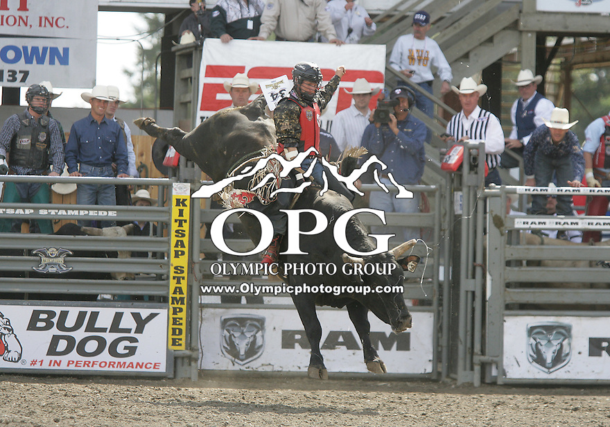 29 Aug 2010: Bobby Welsh was not able to score while riding the bull Cash Man during the first round of the Seminole Hard Rock Extreme Bulls competition at the Kitsap County Stampede in Bremerton, Washington.