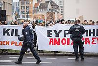 Anlaesslich der Teilnahme von Bundeskanzlerin Angela Merkel (CDU) und dem griechischen Ministerpraesident Kyriakos Mitsotakis, am Wirtschaftsforum in Berlin am Montag den 9. Maerz 2020 protestierten ca. 150 Menschen vor der Veranstaltung fuer eine Oeffnung der EU-Grenzen und die Aufnahme der Fluechtlinge, die von der griechischen Regierung mit Waffengewalt an einer Einreise gehindert werden.<br /> 9.3.2020, Berlin<br /> Copyright: Christian-Ditsch.de<br /> [NUR FUER REDAKTIONELLE ZWECKE! Werbung nur auf Anfrage beim Fotografen. Inhaltsveraendernde Manipulation des Fotos nur nach ausdruecklicher Genehmigung des Fotografen. Vereinbarungen ueber Abtretung von Persoenlichkeitsrechten/Model Release der abgebildeten Person/Personen liegen nicht vor. NO MODEL RELEASE! Don't publish without copyright Christian-Ditsch.de, Veroeffentlichung nur mit Fotografennennung, sowie gegen Honorar, MwSt. und Beleg. Konto: I N G - D i B a, IBAN DE58500105175400192269, BIC INGDDEFFXXX, Kontakt: post@christian-ditsch.de<br /> Bei der Bearbeitung der Dateiinformationen darf die Urheberkennzeichnung in den EXIF- und  IPTC-Daten nicht entfernt werden, diese sind in digitalen Medien nach §95c UrhG rechtlich geschuetzt. Der Urhebervermerk wird gemaess §13 UrhG verlangt.]