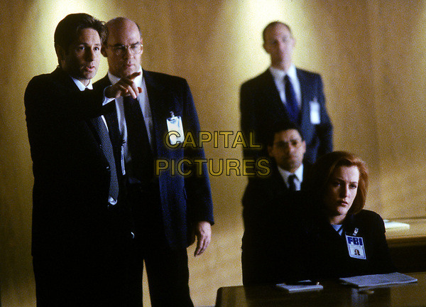 The X-Files (1993 - )<br /> (Season 5, Episode 20, &quot;The End&quot;)    <br /> David Duchovny, Mitch Pileggi, Gillian Anderson<br /> *Filmstill - Editorial Use Only*<br /> CAP/KFS<br /> Image supplied by Capital Pictures