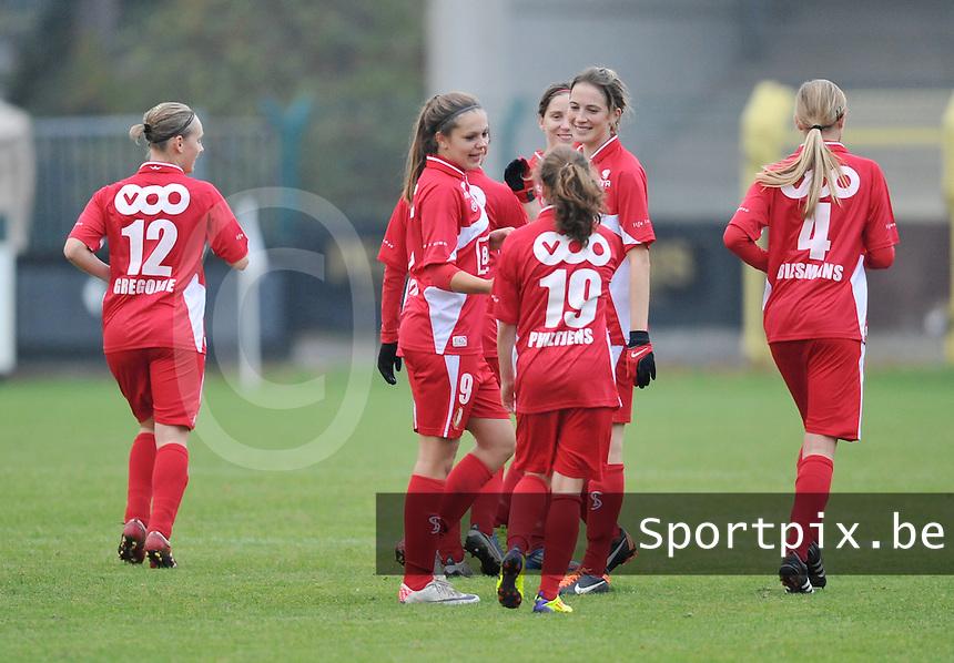 Rassing Harelbeke - Standard Femina : vreugde bij Lieke Martens en haar ploegmaats.foto DAVID CATRY / Vrouwenteam.be