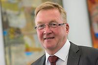 2018/04/17 Politik | Pflegebevollmaechtigter | Staatssekretaer Andreas Westerfellhaus