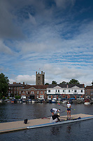 Henley-on-Thames. United Kingdom.  2017 Henley Royal Regatta, Henley Reach, River Thames. <br /> <br /> <br /> 09:06:39  Friday  30/06/2017   <br /> <br /> [Mandatory Credit. Peter SPURRIER/Intersport Images.