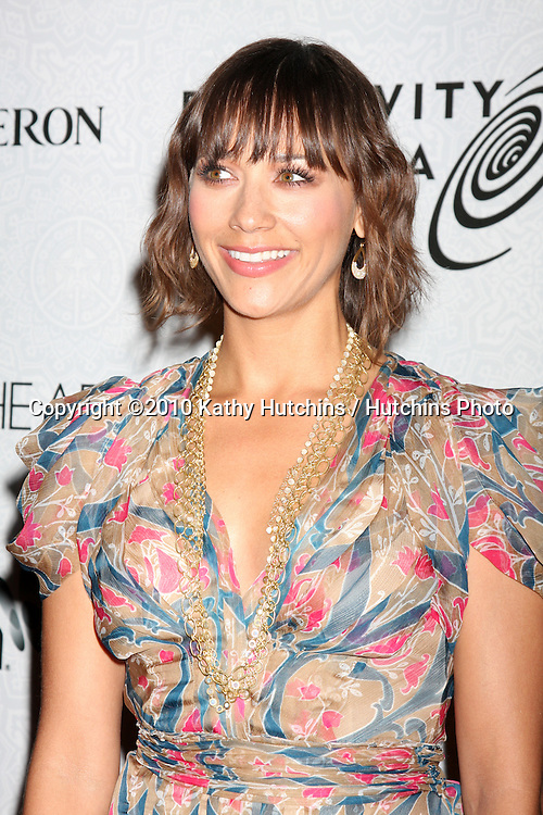 Rashida Jones.arriving at the 3rd Annual Art of Elysium Gala.Rooftop of Parking Garage across from Beverly Hilton Hotel.Beverly Hills, CA.January 16, 2010.©2010 Kathy Hutchins / Hutchins Photo....