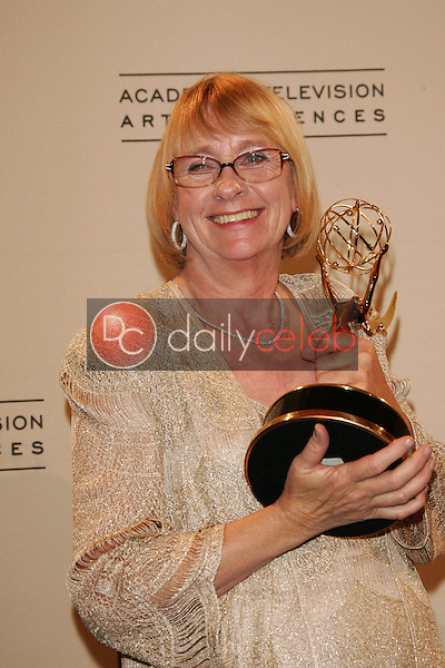Kathryn Joosten<br /> In the press room at the 2005 Primetime Creative Arts Emmy Awards, Shrine Auditorium, Los Angeles, CA 09-11-05<br /> David Edwards/DailyCeleb.Com 818-249-4998
