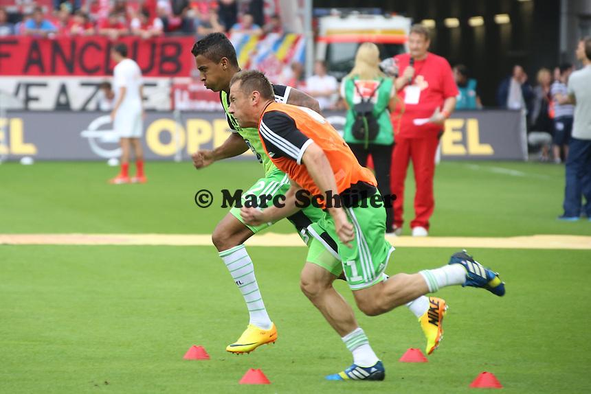 Ivica Olic, Luiz Gustavo (Wolfsburg)- 1. FSV Mainz 05 vs. VfL Wolfsburg, Coface Arena, 3. Spieltag