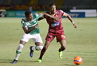 IBAGUÉ -COLOMBIA, 15-04-2017. Omar Albornoz (Der) jugador de Deportes Tolima disputa el balón con Danny Rosero (Izq) jugador del Deportivo Cali durante partido por la fecha 13 de la Liga Águila I 2017 jugado en el estadio Manuel Murillo Toro de la ciudad de Ibagué./ xOmar Albornoz (R) player of  Deportes Tolima vies for the ball with Danny Rosero (L) player of Deportivo Cali during match for date 13 of the Aguila League I 2017 played at Manuel Murillo Toro stadium in Ibague city. Photo: VizzorImage / Juan Carlos Escobar / Cont