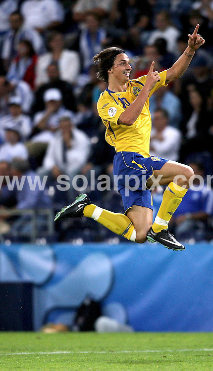 **ALL ROUND PICTURES FROM SOLARPIX.COM**.**SYNDICATION RIGHTS FOR UK AND SPAIN ONLY**.European Championship tournament Euro 2008, Greece versus Sweden at the Wals-Siezenheim Stadium, Salzburg, Austria. Sweden 2 Greece 0. 10th June 2008..This pic: Zlatan Ibrahimovic..JOB REF: 6606 CPR/Ronny Hartmann       .DATE: 10_06_2008.**MUST CREDIT SOLARPIX.COM OR DOUBLE FEE WILL BE CHARGED* *UNDER NO CIRCUMSTANCES IS THIS IMAGE TO BE REPRODUCED FOR ANY ONLINE EDITION WITHOUT PRIOR PERMISSION*