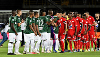 BOGOTÁ - COLOMBIA, 14-01-2019: Los jugadores de América de Cali y Atlético Nacional, antes de partido entre América de Cali y Atlético Nacional, por el Torneo Fox Sports 2019, jugado en el estadio Nemesio Camacho El Campin de la ciudad de Bogotá.  / The players of America de Cali and Atletico Nacional, prior a match between America de Cali and Atletico Nacional, for the Fox Sports Tournament 2019, played at the Nemesio Camacho El Campin stadium in the city of Bogota. Photo: VizzorImage / Luis Ramírez / Staff.