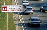 Fiscalização fotográfica de velocidade em São Paulo. 1998. Foto de Juca Martins.
