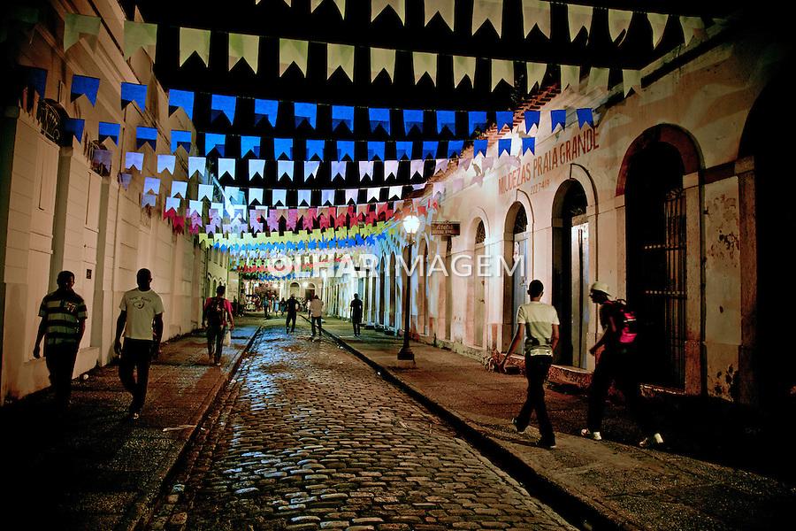 Enfeites de festa junina em Sao Luis. Maranhao. 2011. Foto de Luis Villaça.