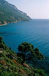 Italie. Italia. Sardaigne. Sardinia.calcaire sur la côte sauvage du golfo di Orosei prčs de Cala (calanque)  Goloritze (est de la sardaigne)