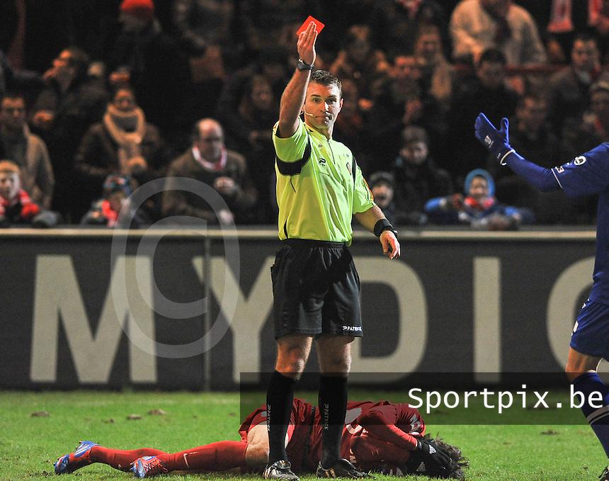 KV Kortrijk - AA Gent :  scheidsrechter Nicolas Laforge met de rode kaart.foto VDB / BART VANDENBROUCKE