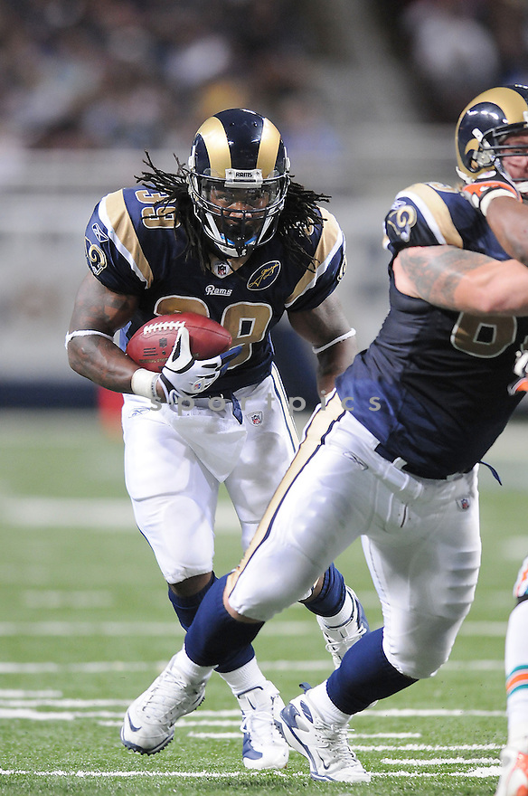 STEVEN JACKSON, of the St. Louis Rams in action against the Miami Dolphins during the Rams game in St. Louis, Missouri on November 30, 2008..Dolphins  win 16-12