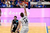 LEEUWARDEN - Basketbal, Donar - Estudiantes, Kalverdijkje, Champions League,  29-09-2017, score van Donar speler Thomas Koenes