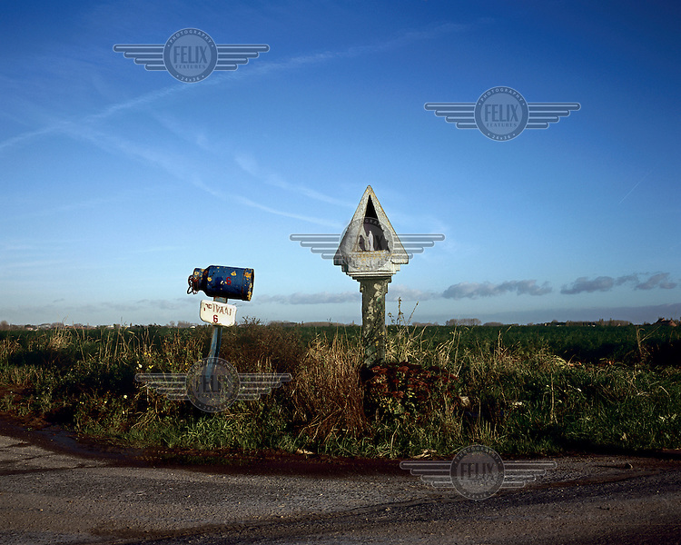 A roadside shrine beside the fields at Totenmuehle near Ypres.