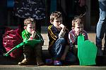 © Joel Goodman - 07973 332324 . 13/03/2016 . Manchester , UK . Crowd watching the parade . The St Patrick's Day Parade , celebrating the Irish Community , through Manchester City Centre , in the Spring sunshine . Photo credit : Joel Goodman